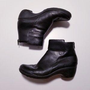 |Merrell| Black Leather Booties sz-7.5